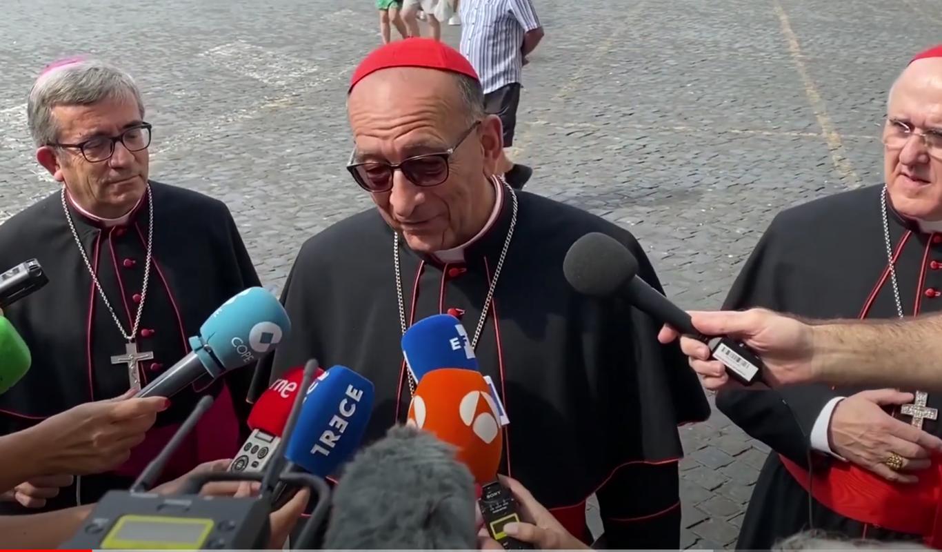 Obispos y medios