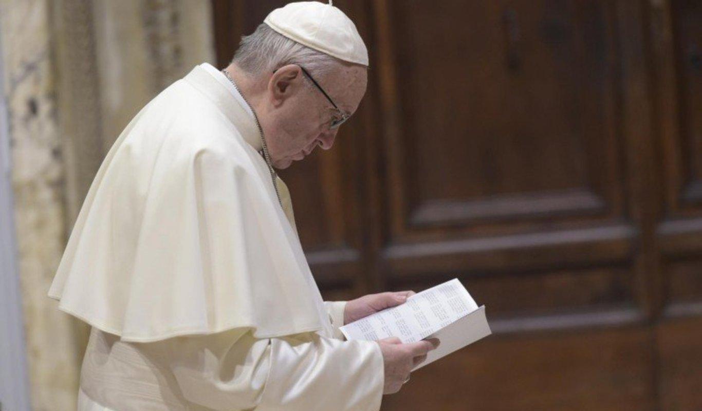 Papa en la Liturgia penitencial  de la Cumbre.