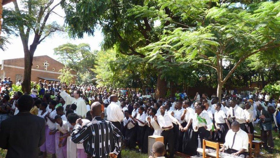 Celebración de la Santa Misa en África