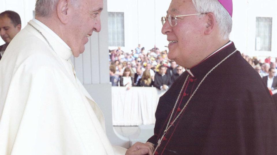 El Papa Francisco con Juan Antonio Reig Pla, obispo de Alcalá de Henares.
