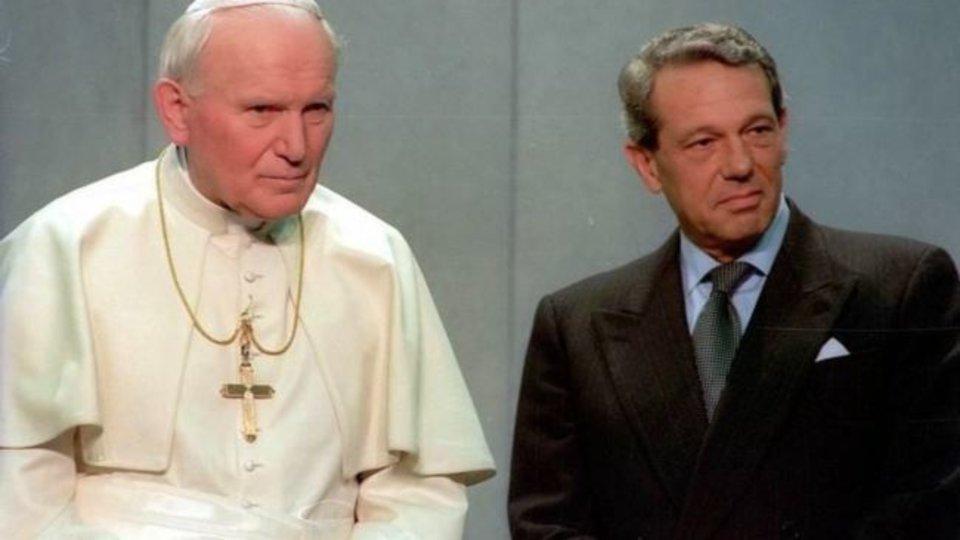 El Papa san Juan Pablo II y Joaquín Navarro Valls.