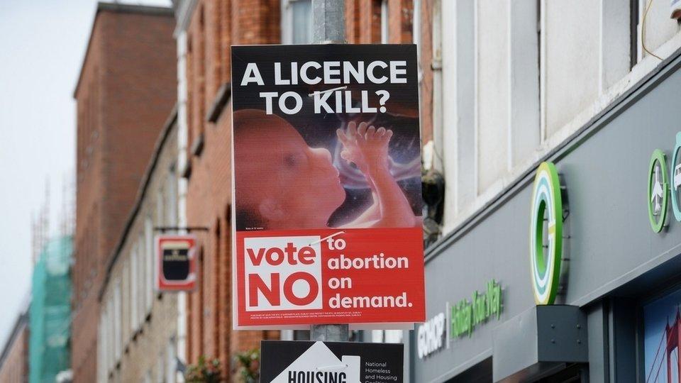 Cartel contra el aborto en Irlanda.