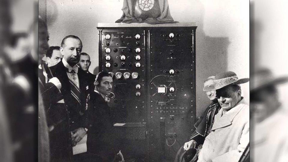 Radio Vaticana, el 12 de febrero de 1931, transmisión del primer radio mensaje del papa Pío XI